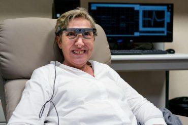 В Іспанії жінці, яка осліпла, частково повернули зір за допомогою електродів