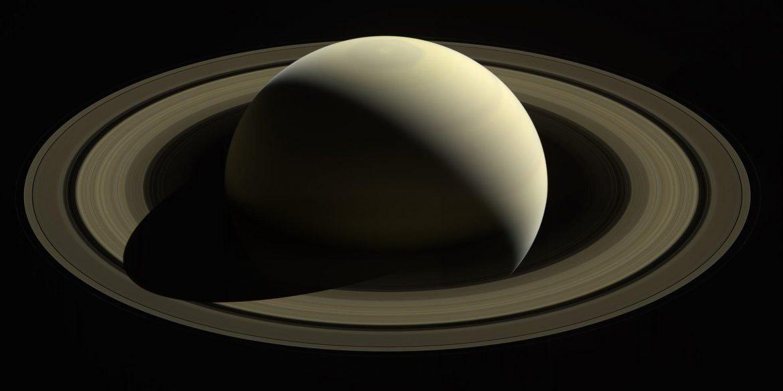 Планетолог назвав найреалістичніший емодзі Сатурна