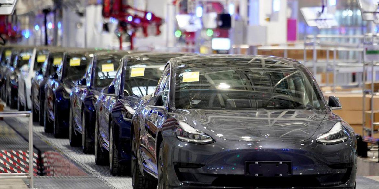 Ілон Маск використає зупинку на карантин заводів Tesla для модернізації обладнання