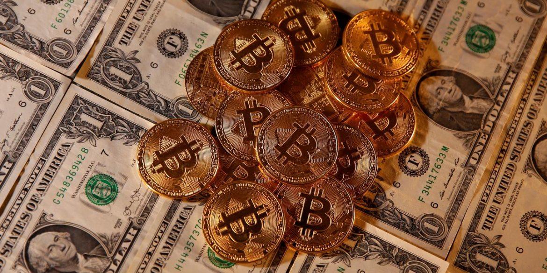 Кандидат в президенти США пообіцяв замінити долар на криптовалюту