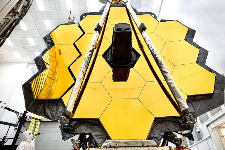 NASA протестували головне дзеркало телескопа «Джеймс Вебб»