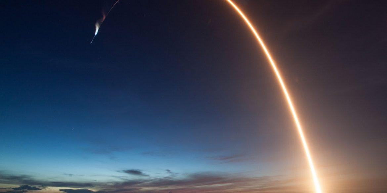 SpaceX перенесла запуск супутників Starlink через тропічну бурю