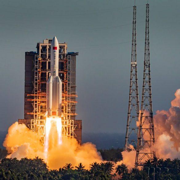 Китай повернув на Землю космічний корабель нового покоління і визнав його випробування успішними