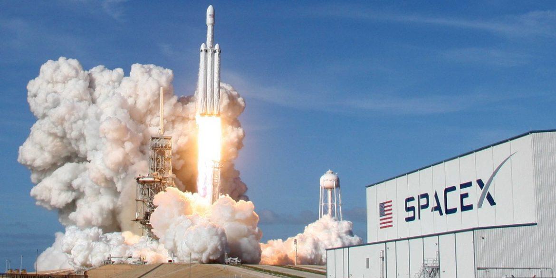 SpaceX веде переговори з інвесторами про залучення $44 млрд