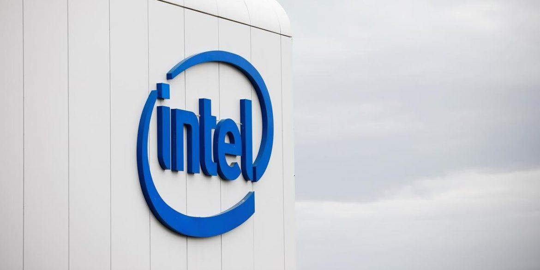 Акции Intel подешевели из-за отставания от графика разработки новых процессоров