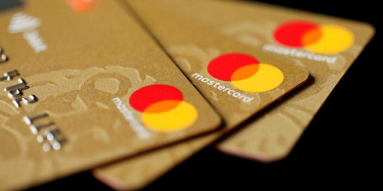 Mastercard буде випускати в Україні тільки безконтактні картки