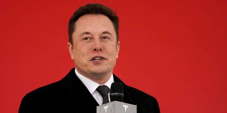 Ілон Маск пообіцяв поділитися технологіями Tesla з конкурентами