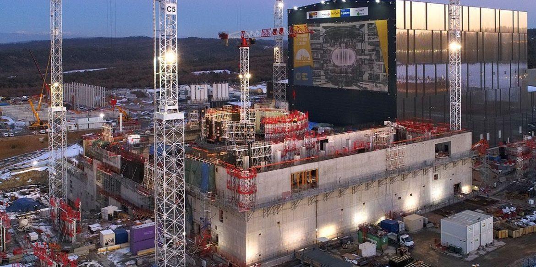 Во Франции началась сборка крупнейшего термоядерного реактора в мире