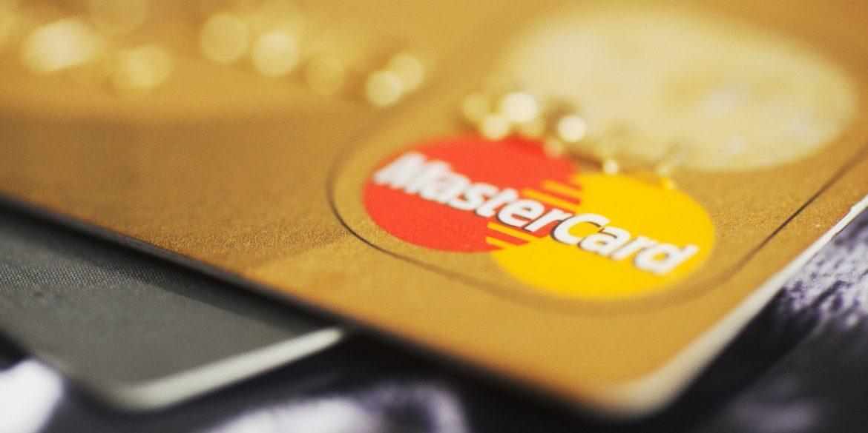 Mastercard дозволить трансгендерам вказувати на картах неофіційні імена
