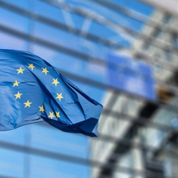 Єврокомісія погодилася зі скаргами Microsoft і Facebook на адресу Apple