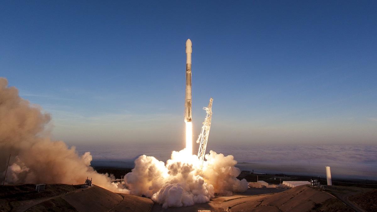 SpaceX перенесла старт супутників Starlink, але запустила ракету з аргентинським метеосупутником