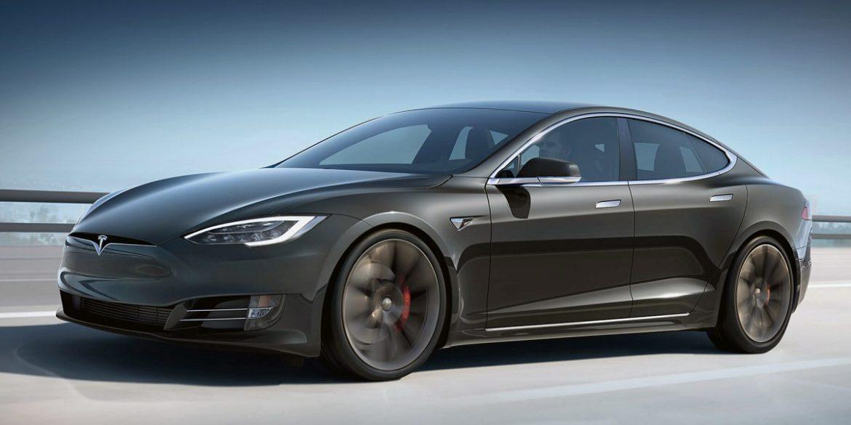 Tesla Ілон Маск вже керує автопілот. Всіх інших підприємець попросив почекати 6-10 тижнів