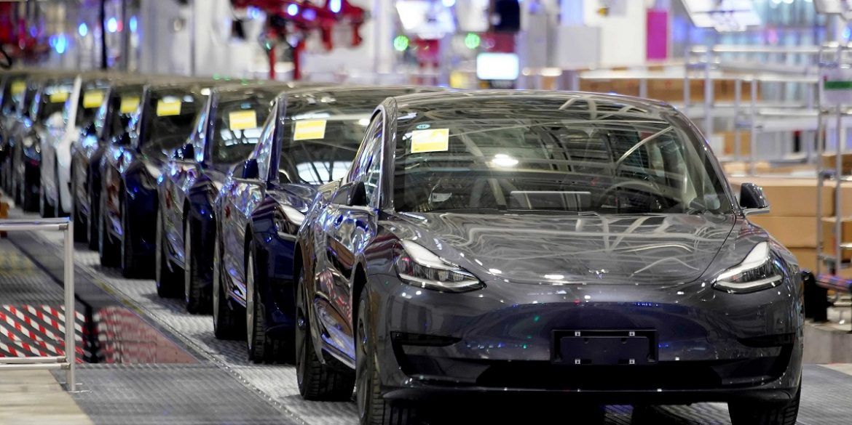 Tesla зібрала найбільшу в світі ливарну установку