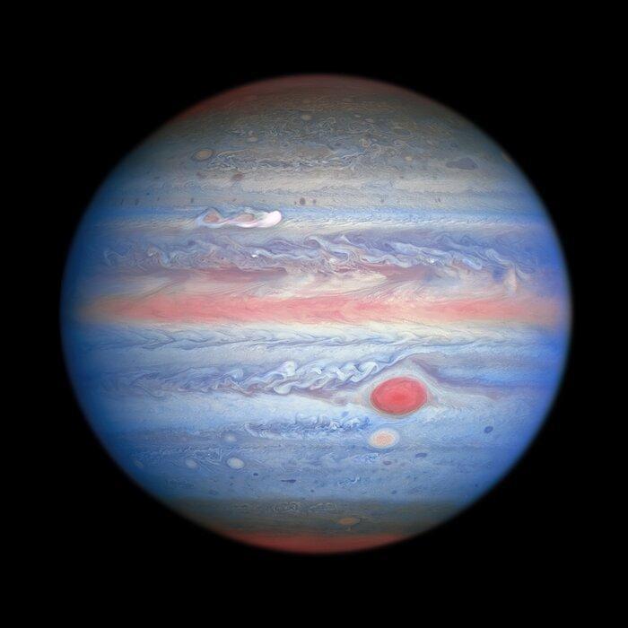 Вчені опублікували нові знімки Юпітера, зроблені Хабблом