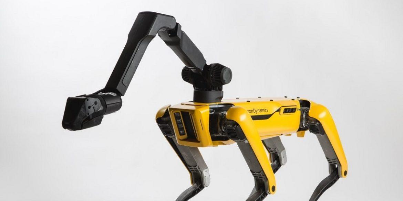 Boston Dynamics выпустит робота Spot с рукой уже в следующем году