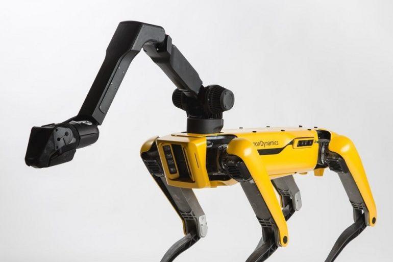 Boston Dynamics випустить робота Spot з рукою вже в наступному році