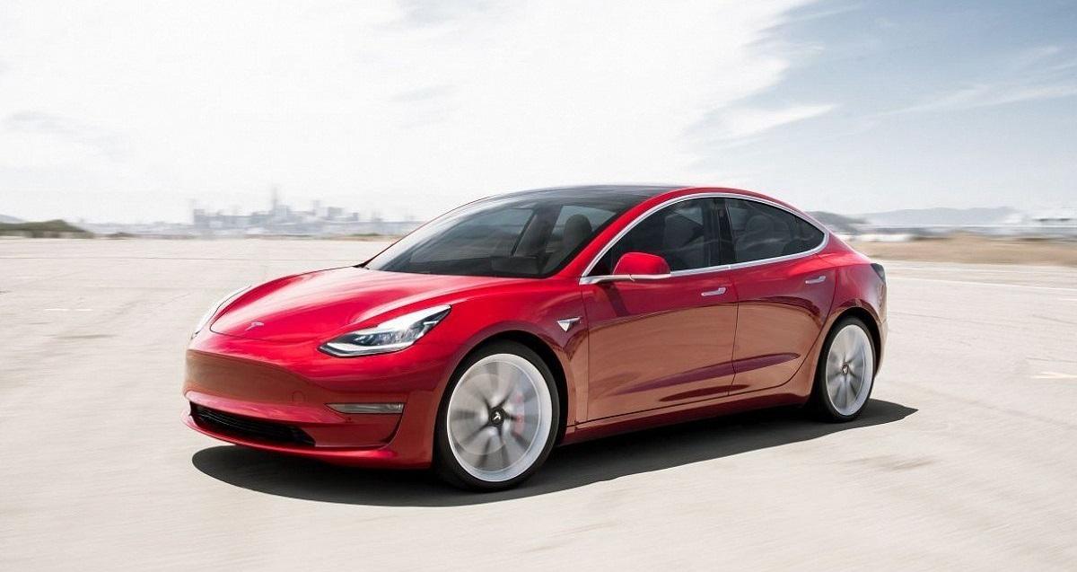 Tesla представила модернізовану Model 3 2021 зі збільшеним запасом ходу