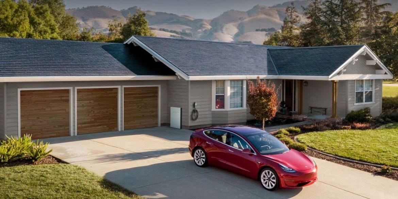 Ілон Маск назвав сонячні панелі Solar Roof наступним «продуктом-вбивцею» Tesla