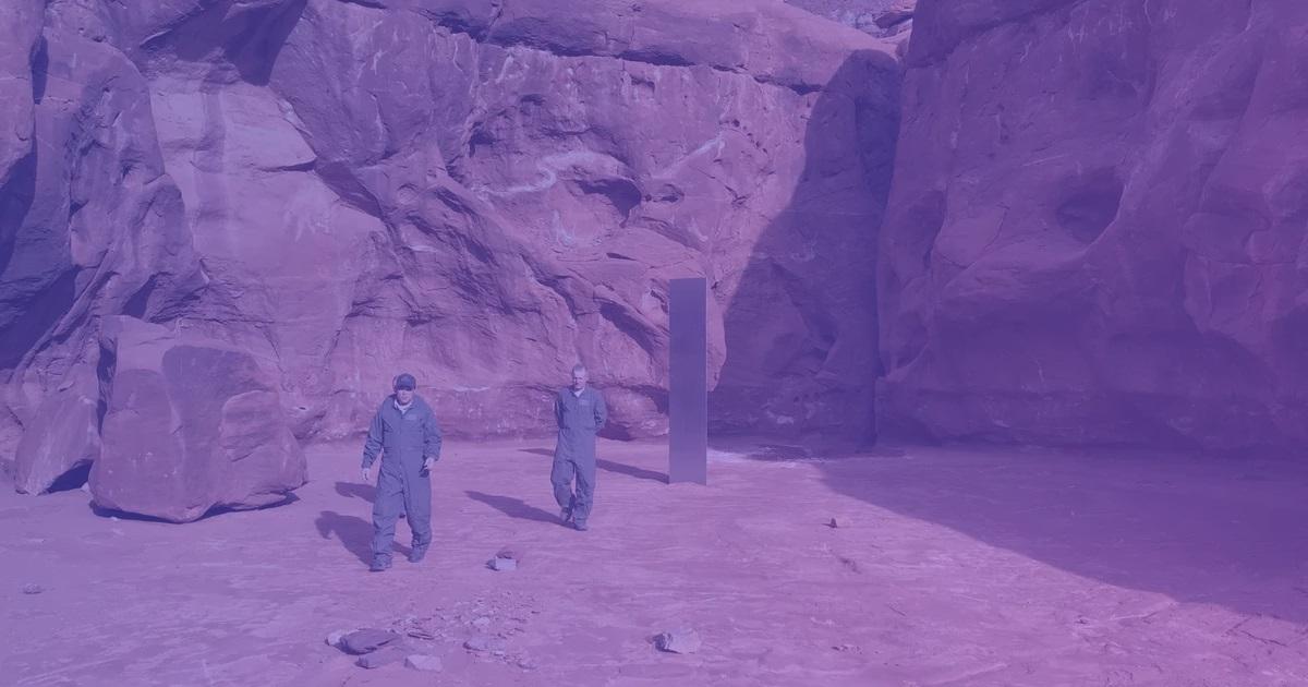 Інопланетяни або арт-об'єкт? Детальніше про загадковий моноліт у пустелі в Штатах
