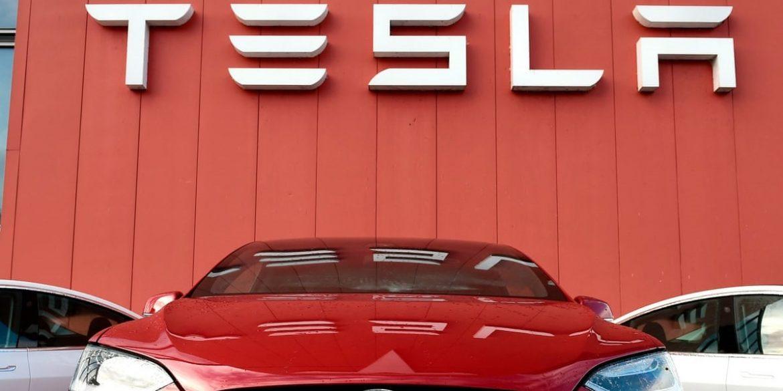 Tesla побудує в Китаї завод з виробництва зарядних пристроїв для електромобілів