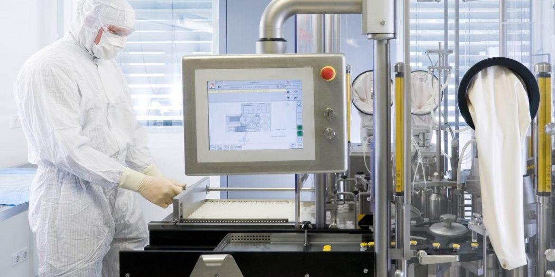 Tesla працює над «принтером» для створення вакцин від коронавіруса