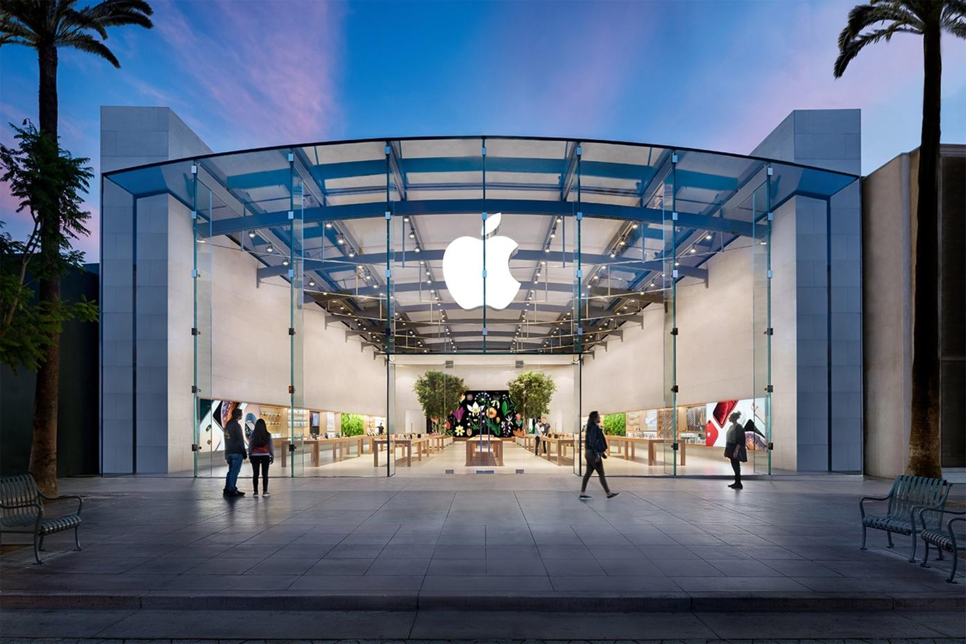 Apple знову закриває магазини у Каліфорнії та Великій Британії
