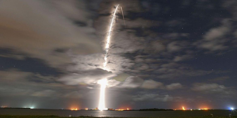 Корабель SpaceX доставить на МКС майже 3 тонни вантажу
