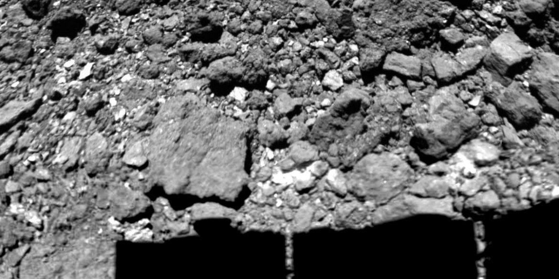 Капсулу з двома зразками астероїда Рюгу доставили в Токіо