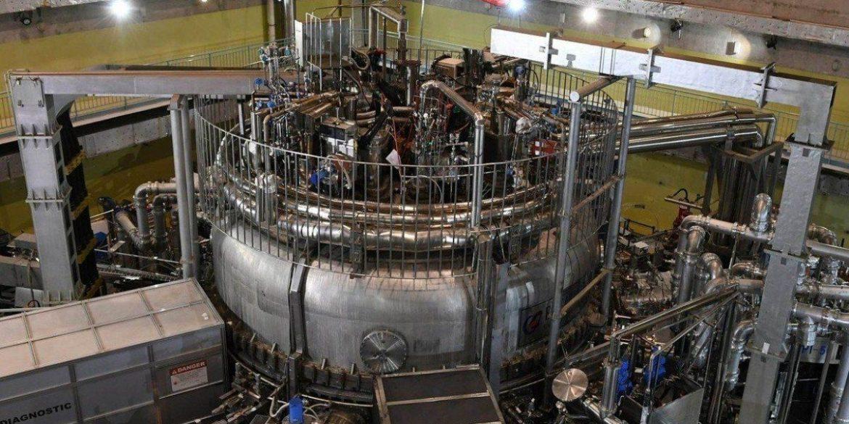 Китай запустив термоядерний реактор «штучне сонце»