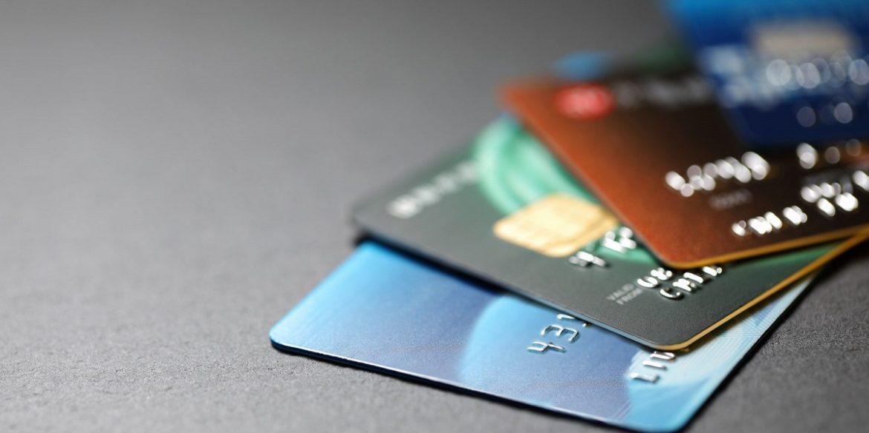 В Україні вперше з'явилася картка з двома платіжними системами одночасно
