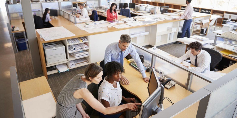 Жінки та темношкірі працівники у Coinbase отримують менше за решту, - New York Times