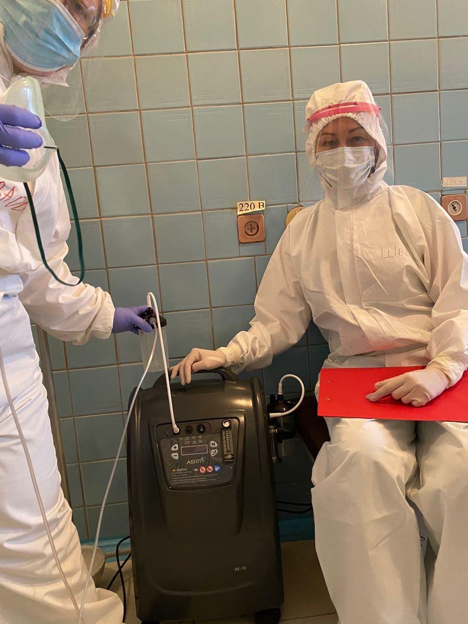 Fintech-компания LeoGaming передала два кислородных концентратора для Киевской городской клинической больницы №12