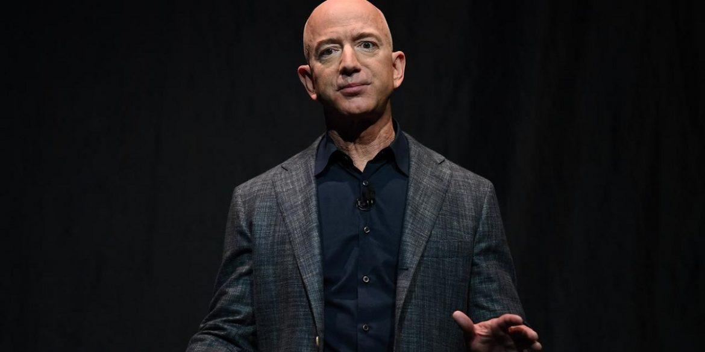 Джефф Безос йде з поста гендиректора Amazon