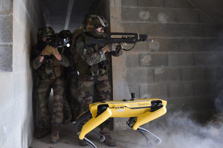 Робопес Spot взяв участь в навчаннях французьких військових. Як це було