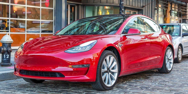 Tesla не може доставити клієнтам понад 10 тисяч електромобілів