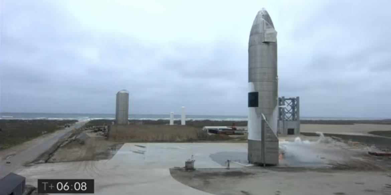 SpaceX вдалося вперше успішно приземлити прототип космічного корабля Starship