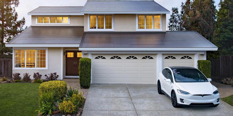 На Tesla подали до суду через підвищення вартості сонячних дахів
