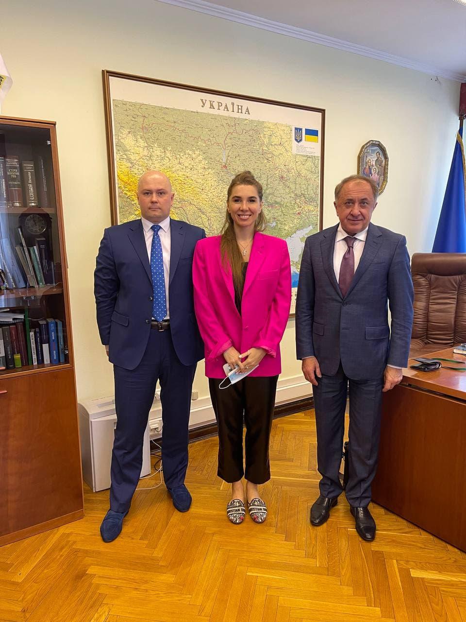 Правління IBOX Bank провело робочу зустріч з Головою Ради НБУ Богданом Данилишиним