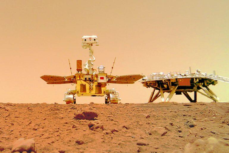 Як звучить Марс. Китайський марсохід надіслав на Землю нові відео