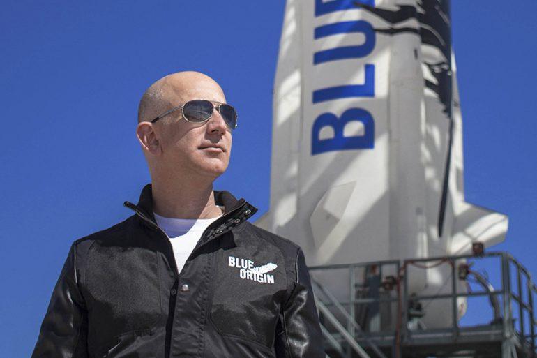 Джефф Безос вперше летить у космос на кораблі своєї компанії Blue Origin, - пряма трансляція