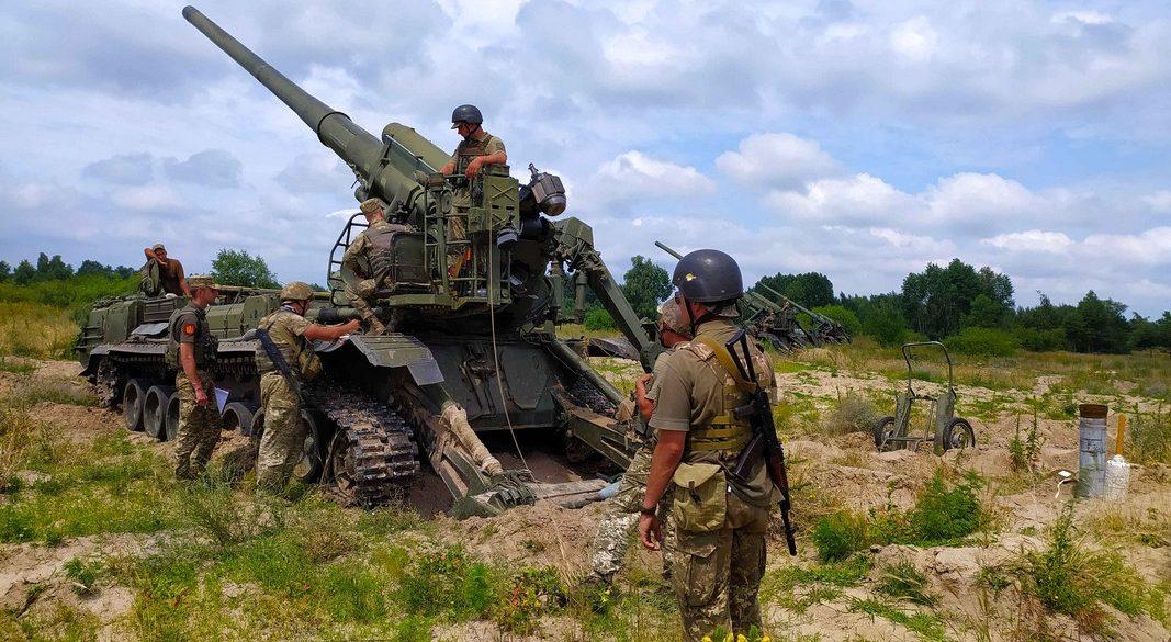 На навчаннях під Києвом артилерійські установки «Піон» вразили всі цілі