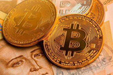 Реестры на блокчейне, свободный обмен биткоина и токенизация госактивов: что обещает Минцифры