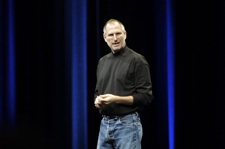 Первое резюме Стива Джобса продадут как NFT-токен