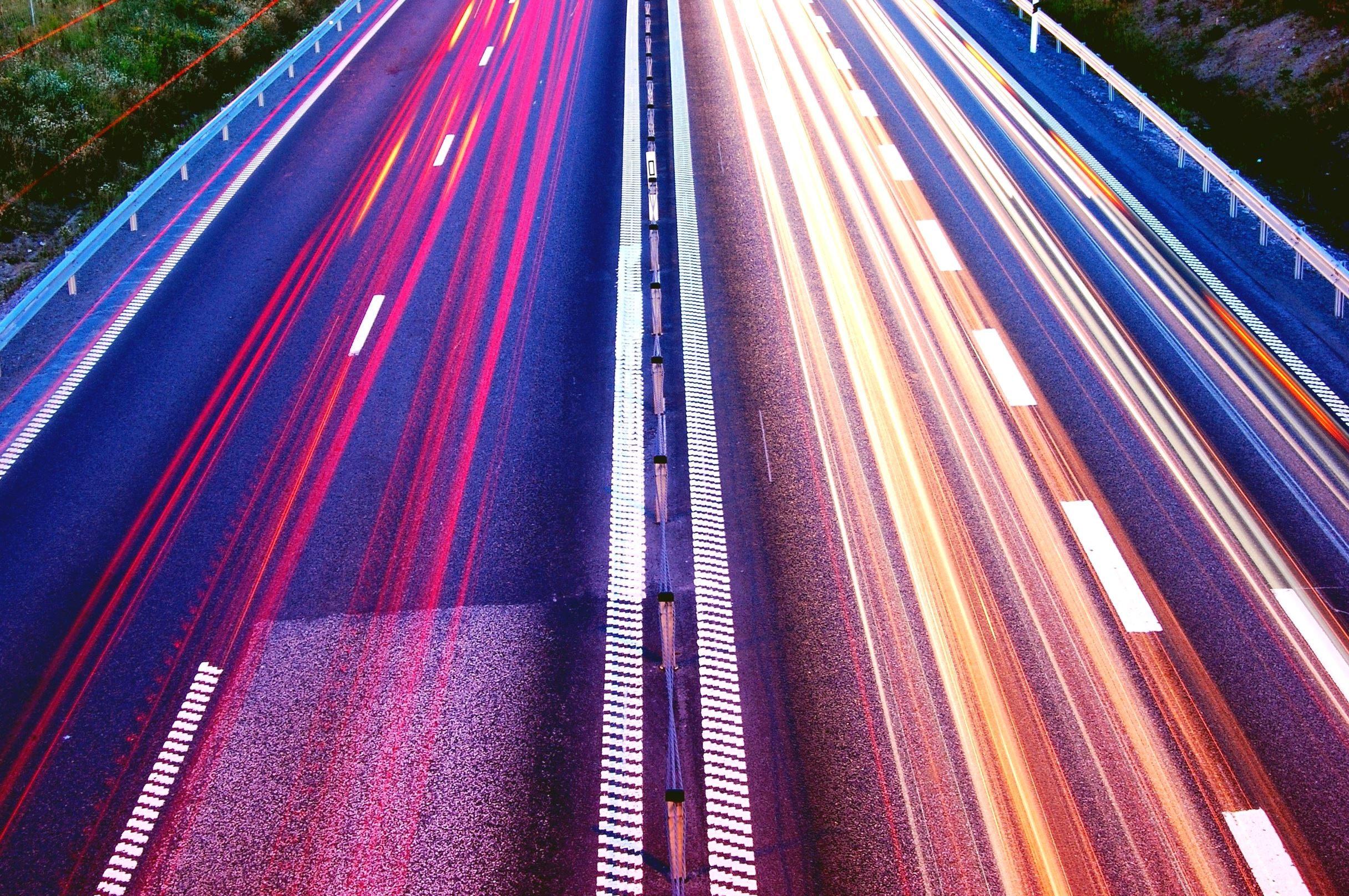 ЕС запускает систему принудительного ограничения скорости авто. Как это будет работать