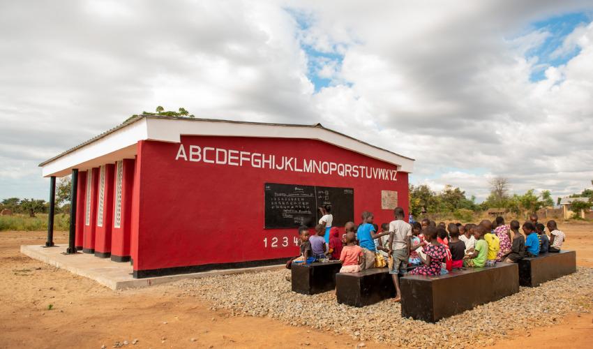 У Африці відкрили першу в світі школу, надруковану на 3D-принтері