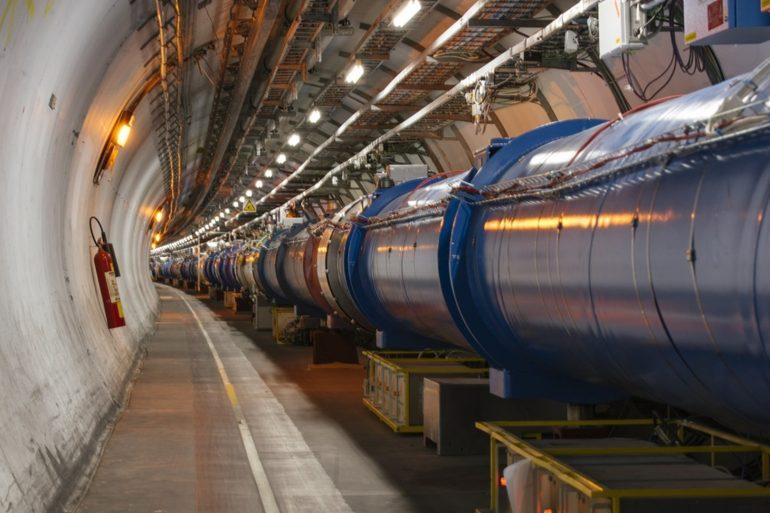 За допомогою Великого адронного коллайдера вчені відкрили нову форму матерії