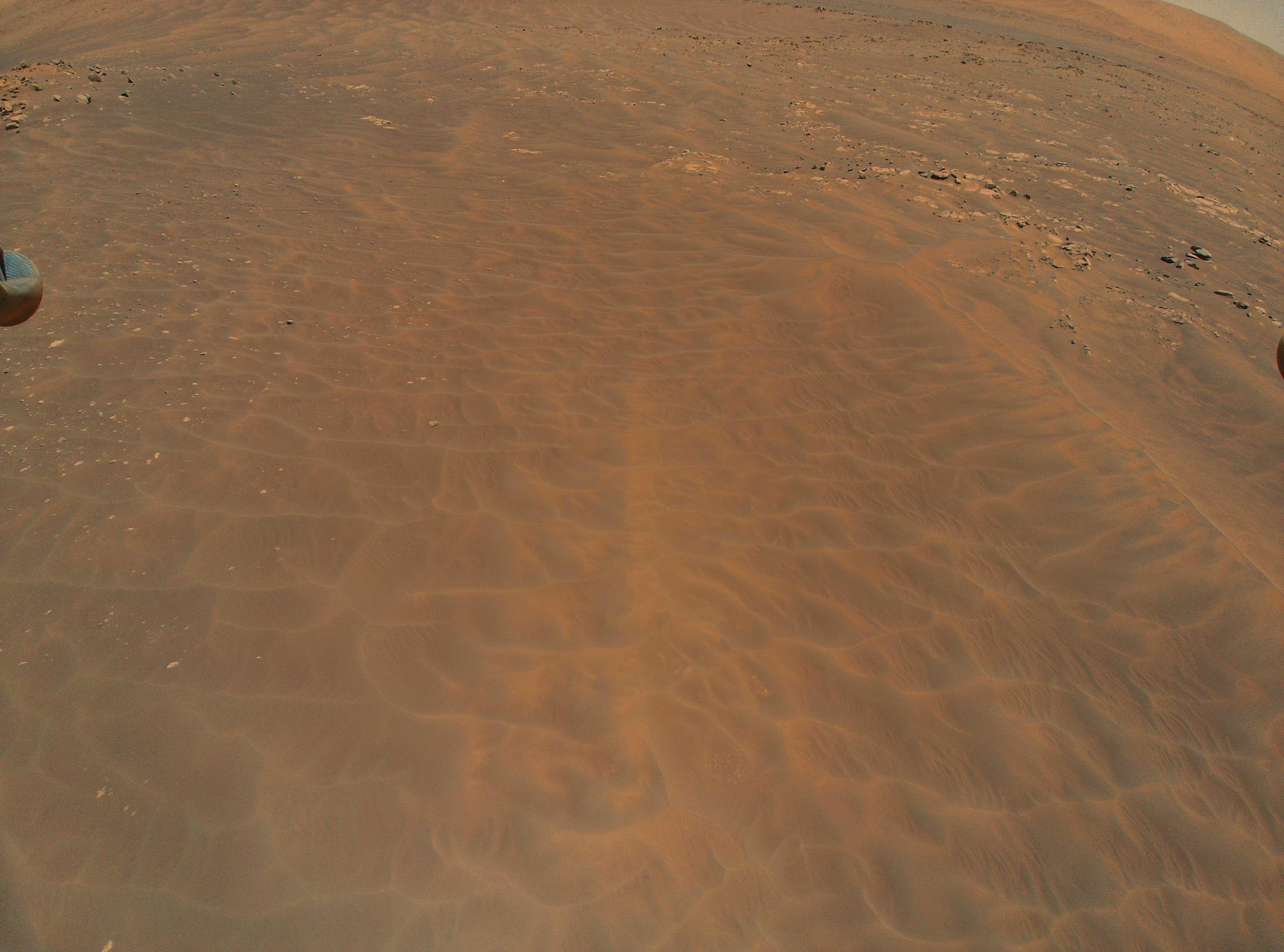 Гелікоптер NASA надіслав яскраві знімки з Марса