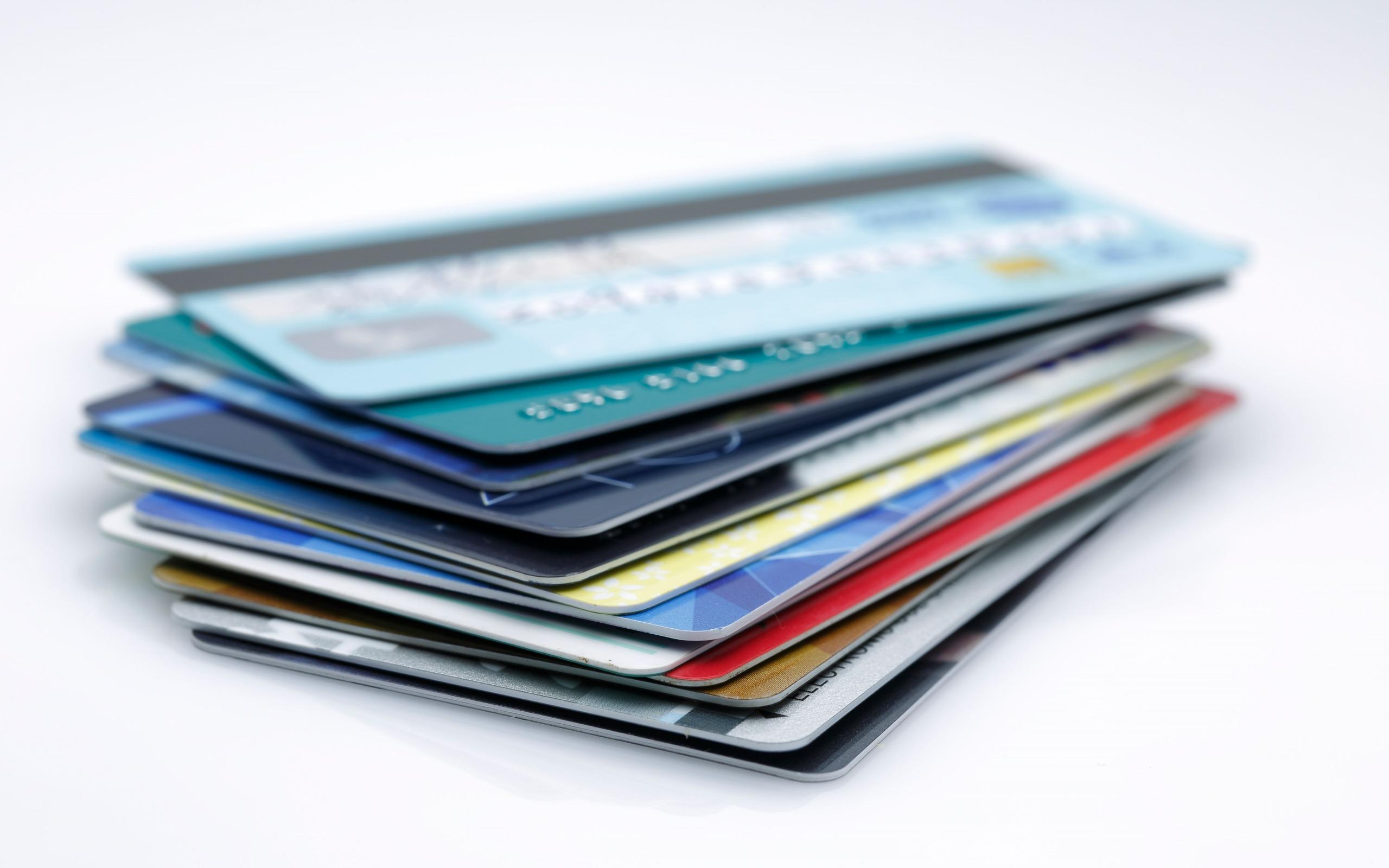 В Украине заработало автоматическое списание долгов с банковских счетов. Какие банки подключены к системе