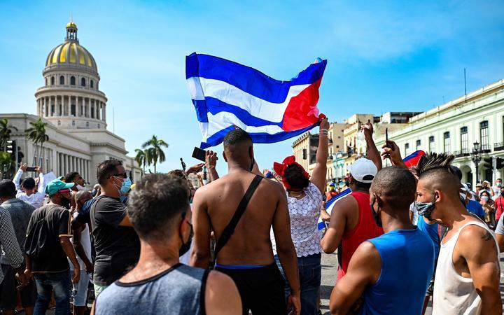 Влада Куби заблокували соцмережі на тлі зростаючих протестів в країні