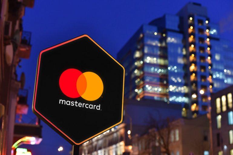 Індія заборонила Mastercard випускати нові карти на її ринку